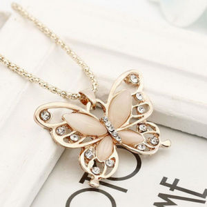 On hold☝️Cute Necklace pendant Butterfly jewelry
